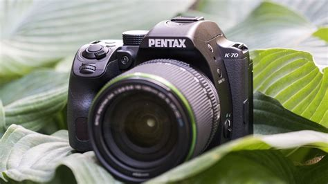 unveiled pentax turns    leaf    aps