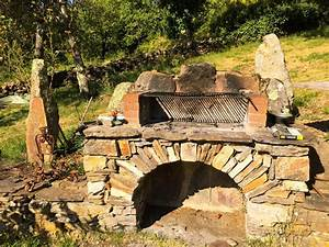 Nettoyer Mur Exterieur Bicarbonate : comment nettoyer un barbecue en pierre les astucieux ~ Melissatoandfro.com Idées de Décoration