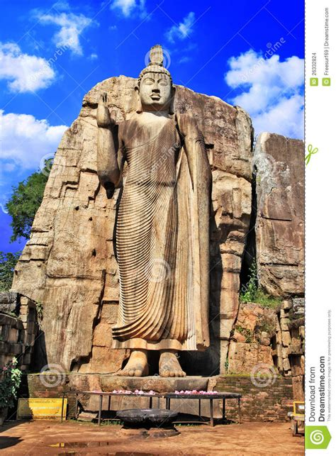 monolith buddha statue boedha