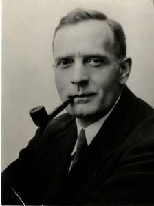 Edwin Hubble Biography - Life of American Astronomer