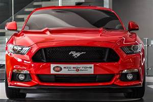 New Ford Mustang With Barely 800 KM On The Clock Lands Up