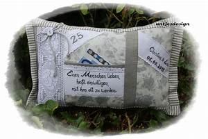 Kissen Mit Namen Nähen : geldgeschenk silberhochzeit mit namen kissen von antjes design auf handmade art ~ Watch28wear.com Haus und Dekorationen
