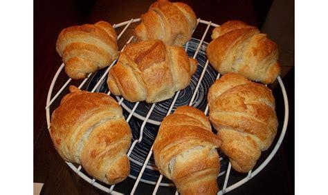 croissant  backen sie das fruehstuecksgebaeck chefkochde
