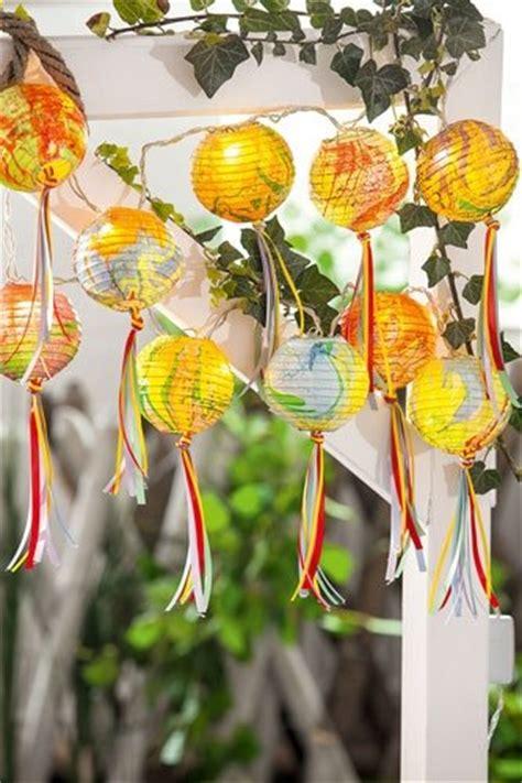 basteln für garten bild 6 basteln f 252 r den garten marmorierte lenschirme