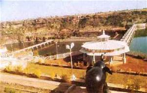 Gandhi Sagar Dam | water, reservoir