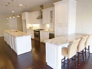 The Granite Gurus: Whiteout Wednesday: 5 White Kitchens