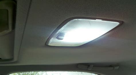 how to fix replace dome light in a toyota camry