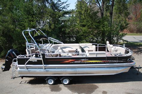 Tritoon Boats Price by Tahoe 24 Fnf Tritoon 2013 For Sale For 54 999 Boats