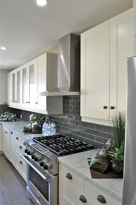 grey and white kitchen tiles gray subway tile backsplash for the kitchen white 6958