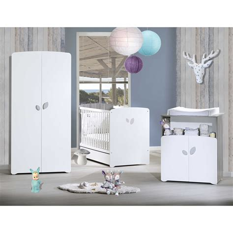 chambre bébé complete carrefour chambre bébé trio leaf lit 60x120cm commode armoire de