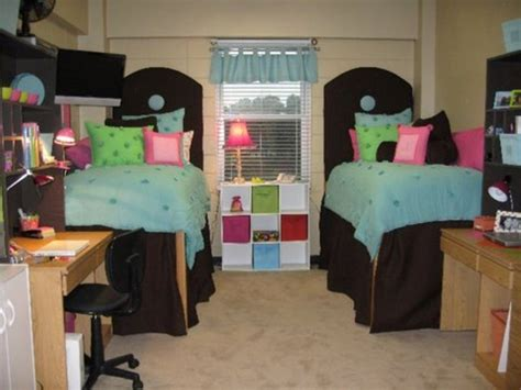 College Dorm Room  Ideas Of Distributing The Nuance. Living Room Furnitures. Room For More. Nyc Wall Decor. Hipster Room Decor. Round Dining Room Sets For 4. Cheap Hotel Rooms Vegas. Decorating Ideas For Living Rooms On A Budget. Red And Turquoise Living Room