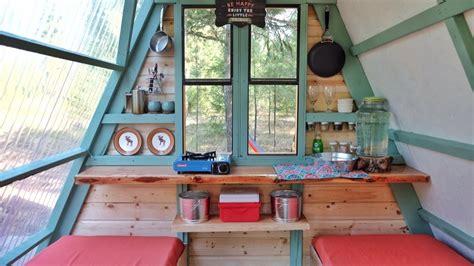 micro  frame cabin built   weeks