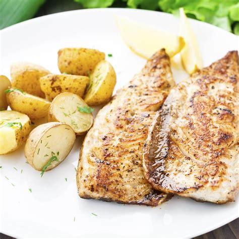 cuisiner le poisson au four cuisiner le poisson les meilleures recettes de poisson