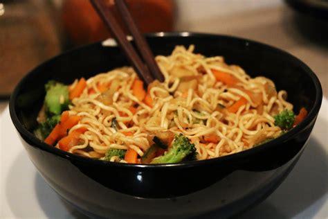 recette nouilles chinoise saut 233 es facile et rapide