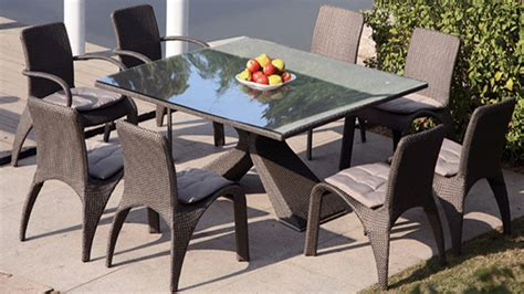 chaises exterieur awesome table a manger de jardin design contemporary