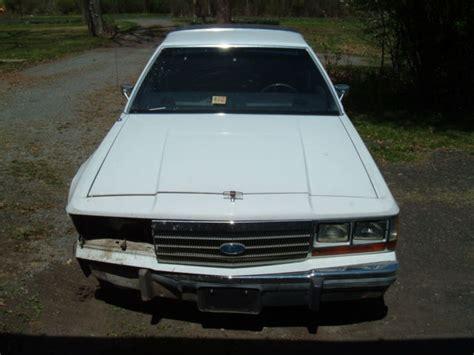 ford crown victoria sedan  white  sale