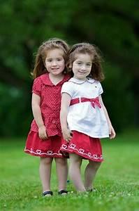 22 Pics of cute twin babies   Photos Twins   Pinterest