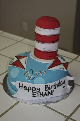 le petite sweet cat   hat cake