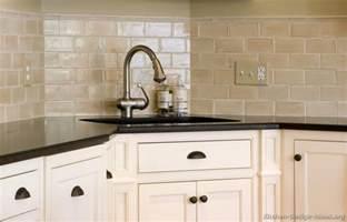 subway tiles kitchen backsplash ideas kitchen backsplash ideas materials designs and pictures