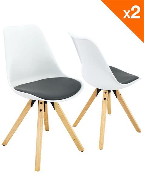 chaise blanche et grise chaise scandinave avec coussin lot de 2 98 9 clea