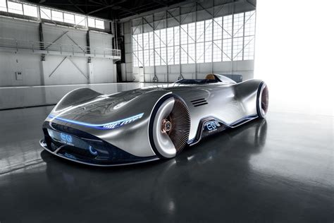 Mercedes BenzCar : 2018 Mercedes-benz Vision Eq Silver Arrow Concept [w/video]