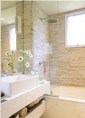 banheiro   paredes  boxe revestidas de canjiquinha