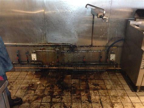 cleaning kitchen floor chicago restaurant cleaning restaurant cleaning chicago 2235