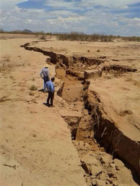 Earth Cracks Open Around The World Latest In Mexico