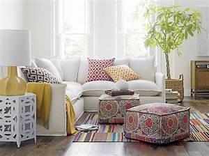 le gros coussin pour canape en 40 photos With tapis design avec dimension coussin canapé