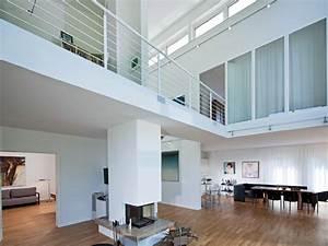 Haus Mit Galerie Im Wohnzimmer : die offene galerie elegant und einladend baumeister haus e v ~ Orissabook.com Haus und Dekorationen