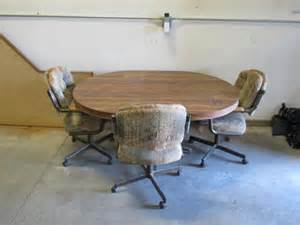 dinette set 5 3 rolling chairs