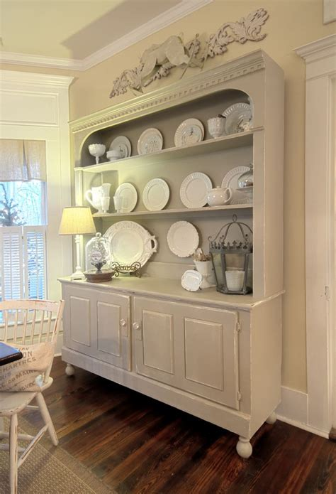 Kitchen Hutch Painting Ideas by 25 Best Painted Hutch Ideas On Hutch Makeover