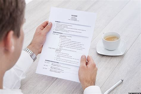 5 ways potential employers can tell when you re lying on