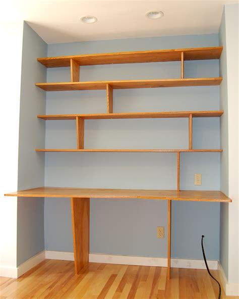 Built in Shelves with Desk