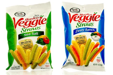 There's no actual veggies in 'Veggie Straws': suit