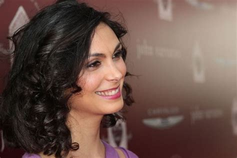 lead actress in deadpool 2 actress morena baccarin cast in deadpool as romantic
