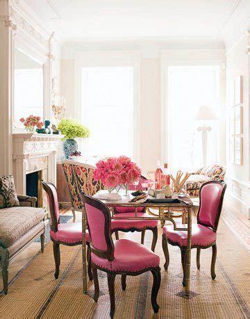 una casa llena de color contrastes  vintage  bold