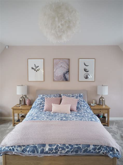 pink walls bedroom pink and grey bedroom makeover reveal a junkie in 12894