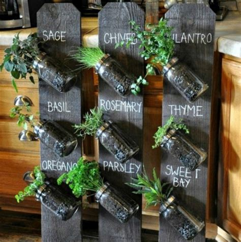 Diy Vertical Garden Cheap by The Best Diy Vertical Gardens For Small Spaces