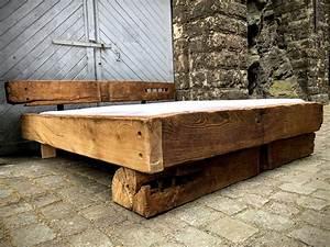 Bett Aus Alten Balken : bett nachtisch und hochbett aus massivholz vom tischler in dresden nach ma bauen lassen ihr ~ Bigdaddyawards.com Haus und Dekorationen
