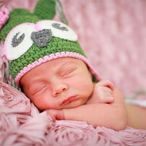 sooc portrait  newborn baby girl   owl hat  pink