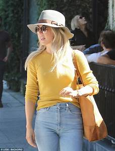 Julianne Hough grabs coffee with friends in West Hollywood ...