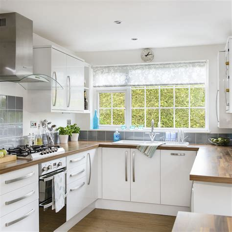 Ushaped Kitchen Ideas  Designs To Suit Your Space. Pictures Of Curtains In Living Rooms. Living Room Sofa Pillows. Campers With Front Living Room. Living Rooms Design Ideas. One Room Living Design. Ideas For Wall Art In Living Room. Buffet In Living Room. All White Living Room Furniture