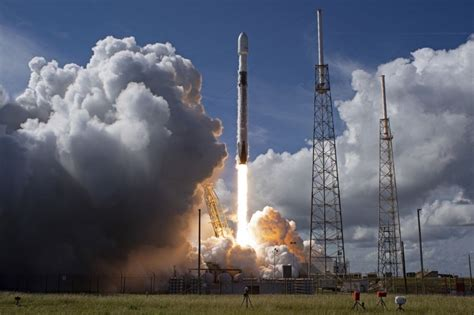 SpaceX launches satellite for SiriusXM from Florida - UPI.com