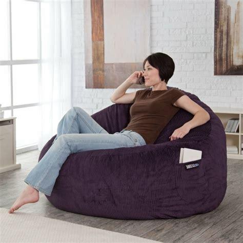 canapé capitonné pas cher le pouf géant un coussin de sol amusant et confortable