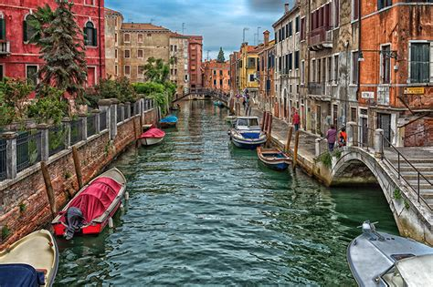 Canal Boat Italy by Wallpapers Venice Italy Canal Bridges Powerboat