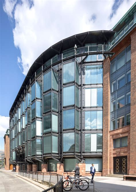 Financial Times returns to renovated Bracken House in 2021 ...