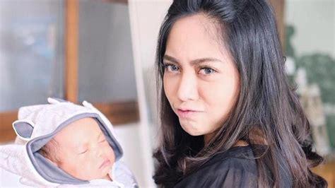 Rachel vennya, cengkareng, jakarta raya, indonesia. Baru Dua Bulan, Anak Rachel Vennya Jadi Korban Bully ...