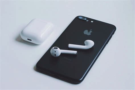 kgi report updated apple airpods to launch mid to late 2018 siliconangle