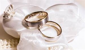 top six engraving ideas for your engagement wedding rings With wedding ring photo ideas